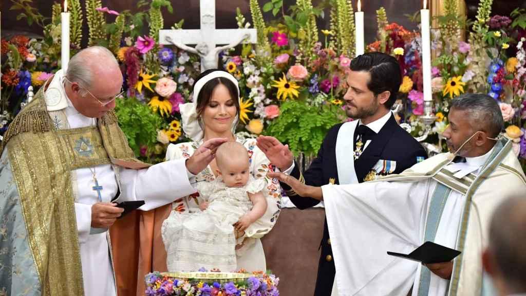 El emotivo bautizo del príncipe Julián, hijo de Carlos Felipe y Sofía de Suecia: las mejores anécdotas de la cita