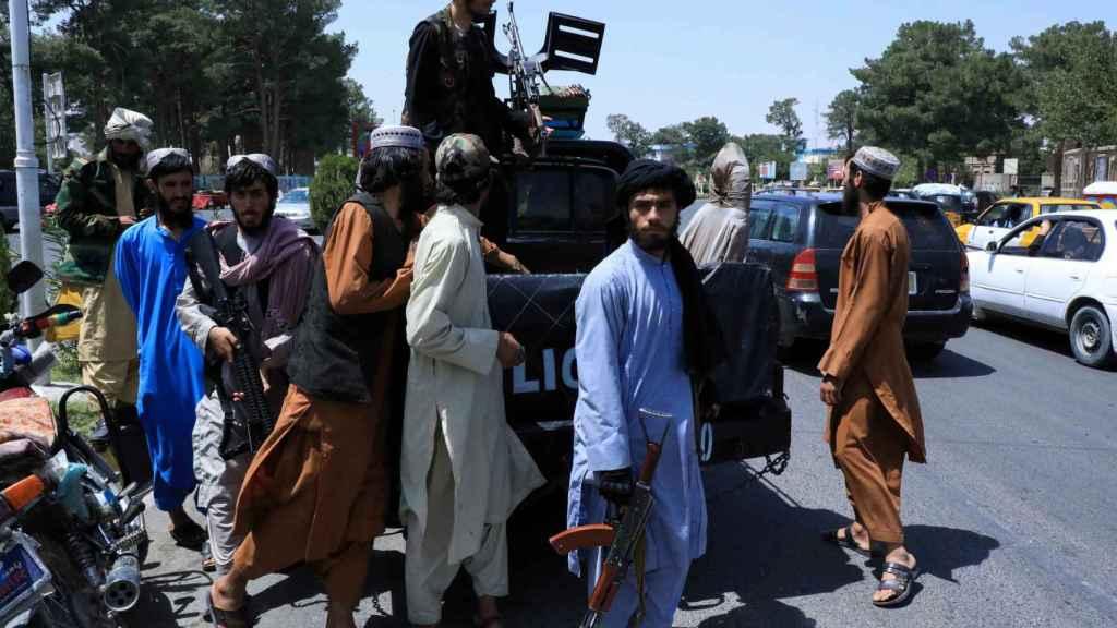 Fuerzas talibanes en las calles de Herat.