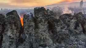 Zona calcinada en Sotalvo, municipio afectado por el incendio de Navalacruz.