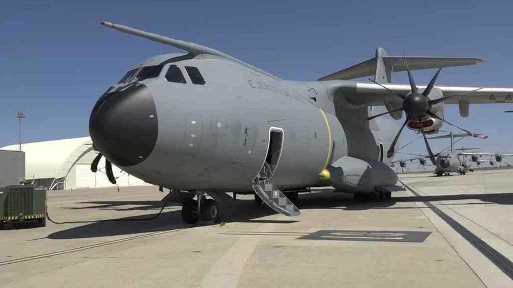 El avión militar A400M que ha despegado este martes desde Zaragoza con destino a Dubái.