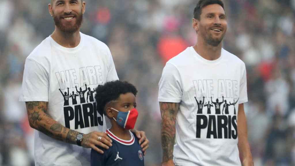 Sergio Ramos y Messi, en su presentación con el PSG