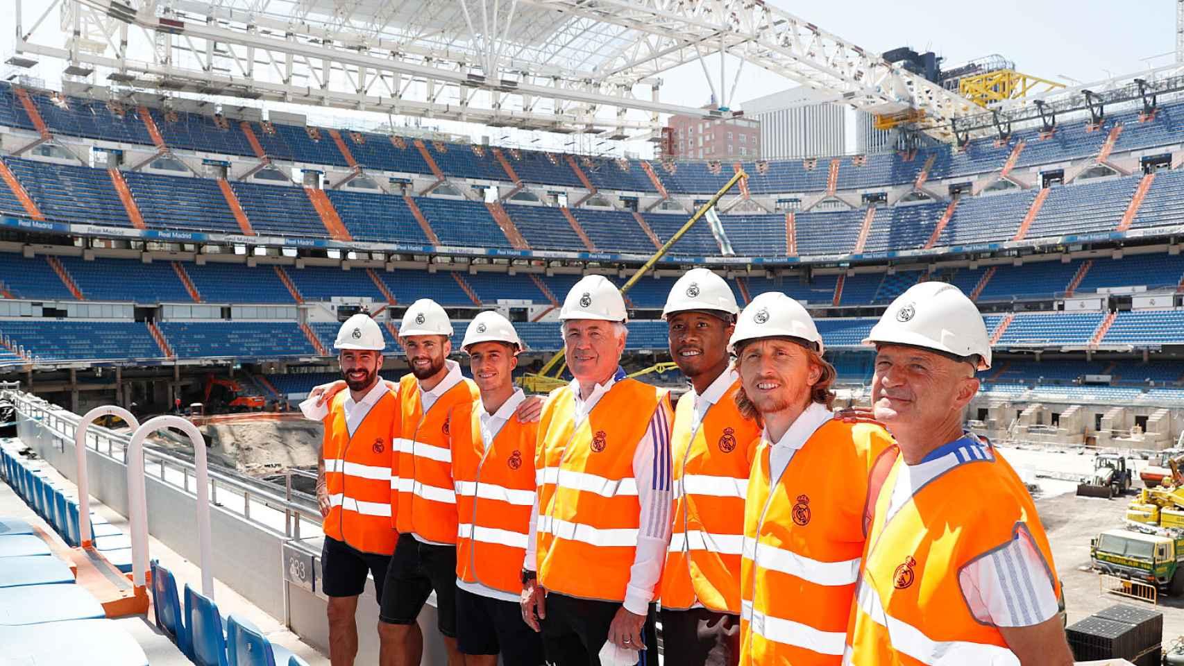 Los jugadores del Real Madrid acuden a las obras del Santiago Bernabéu