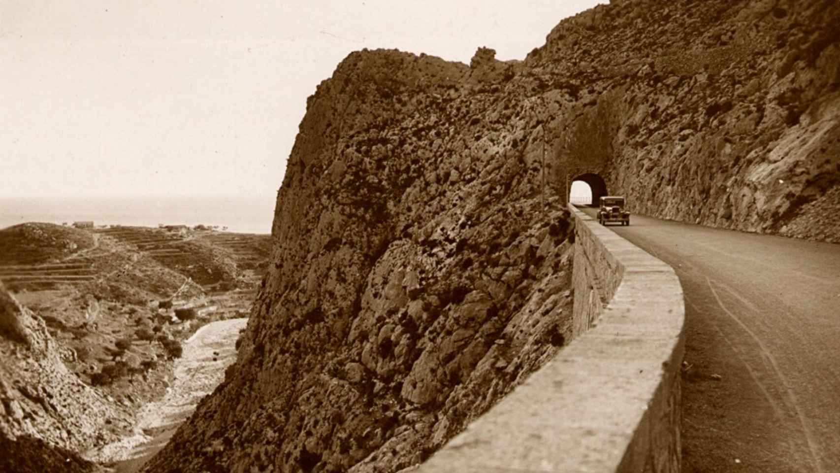 El túnel de Mascarat se encuentra en la carretera de Valencia-Alicante.