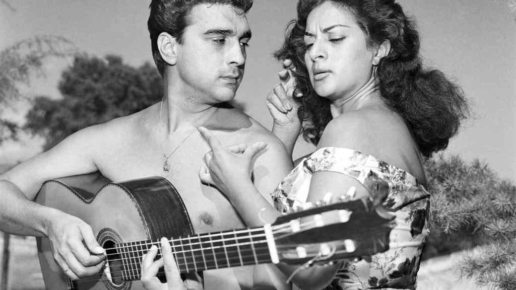 Lola Flores y Antonio González 'El Pescaílla' disfrutaron de grandes veranos en las playas de Málaga