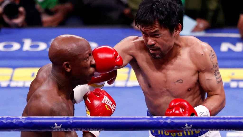 El boxeador filipino Manny Pacquiao ante Yordenis Ugás