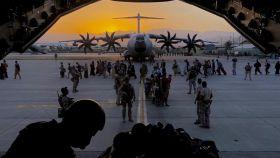 El último avión del Ejército del aire, antes de salir este viernes de Kabul.