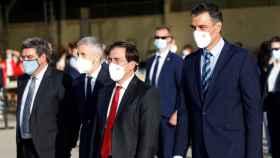 De izquierda a derecha: el ministro Seguridad Social, José Luis Escrivá, el ministro del Interior, Fernando Grande-Marlaska, el ministro de Asuntos Exteriores, José Manuel Albares, y el presidente del Gobierno, Pedro Sánchez.