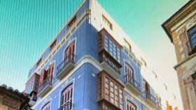 Imagen del edificio de apartamentos comprado en la calle Granada, en Málaga.