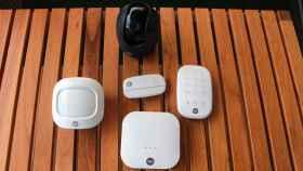 Alarma inteligente y cámara de Yale