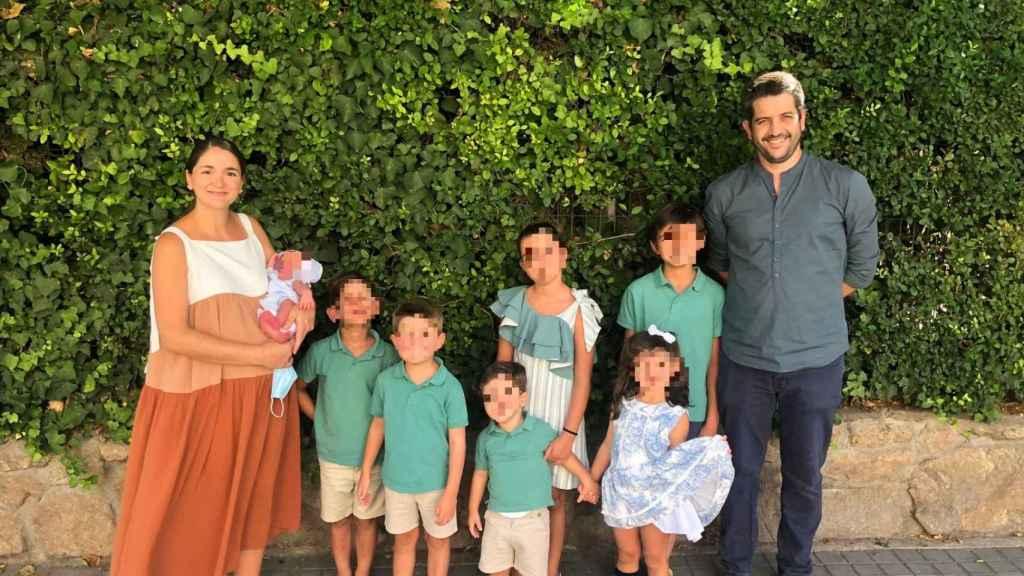 Marta junto a su familia.