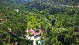 Una imagen aérea del camping Río Mundo