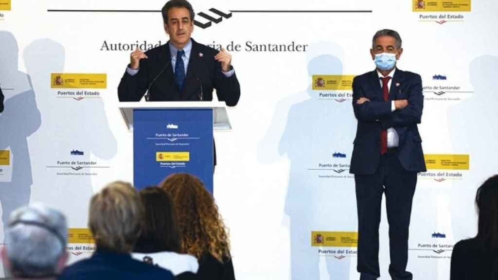 El actual presidente de la Autoridad Portuaria de Santander, Francisco Martín Gallego, y el presidente de Cantabria, Miguel Ángel Revilla.