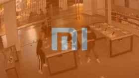 Fotograma del robo junto al logo de Xiaomi