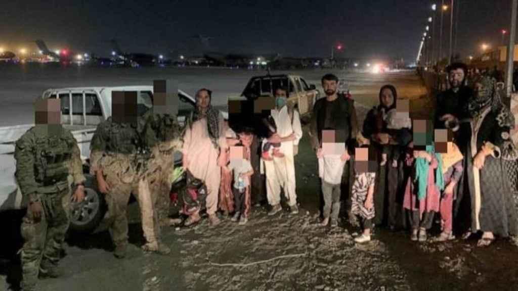 Un grupo de veteranos de EEUU, durante la misión Piña Exprés, para rescatar a varios aliados afganos