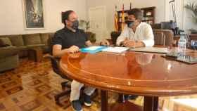 El alcalde de Finestrat, Juan Francisco Pérez Llorca, y el presidente de la Diputación, Carlos Mazón.