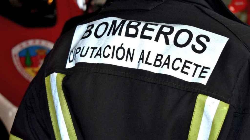 Los bomberos de la Diputación de Albacete rescatan a varias personas atrapadas por la DANA