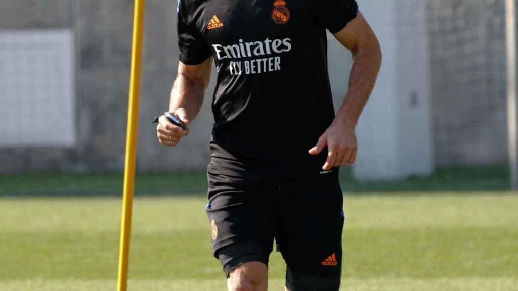 Nacho Fernández, durante un entreno con el Real Madrid