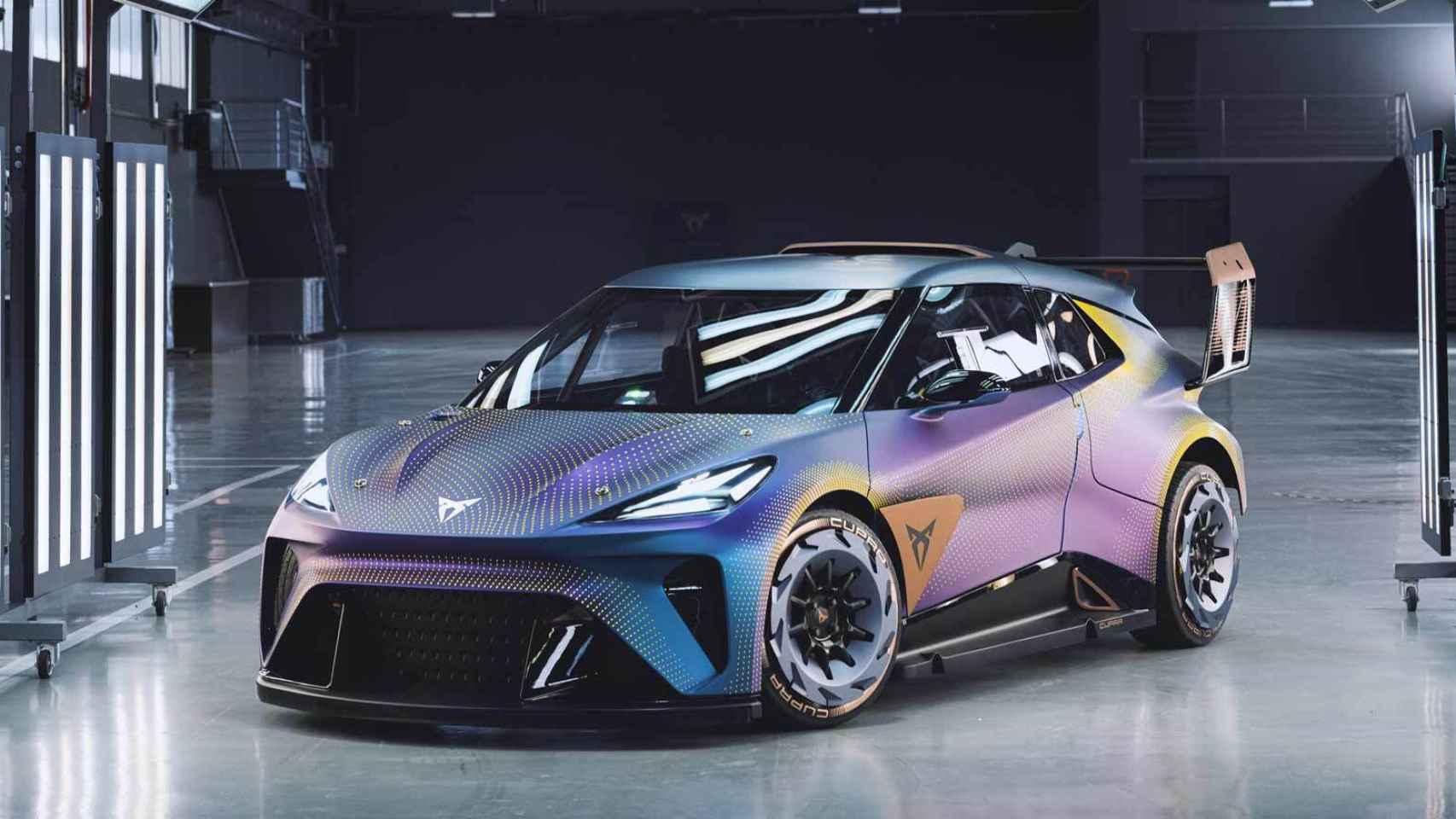 Si a este coche le quitas los alerones podrás ver el Seat (o Cupra) eléctrico y pequeño de 2025