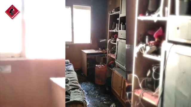 Encuentran 3 bombonas de gas abiertas en el incendio de una casa en Elda