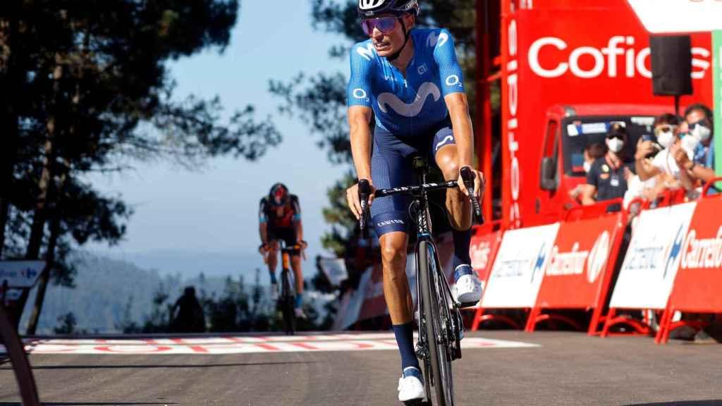 Enric Mas durante una etapa de La Vuelta 2021