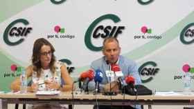 El presidente del sector nacional de Educación del CSIF, Mario Gutiérrez, y la secretaria del sector nacional de Educación, de Coordinación Autonómica y Negociación del CSIF, Isabel Madruga Abajo, en rueda de prensa este lunes.