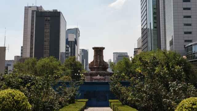 El 10 de octubre de 2020 fue retirada la estatua de Colón, que ya no se repondrá.