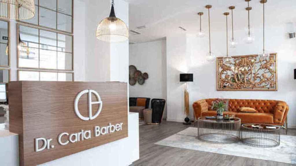 Carla Barber a des cliniques à Madrid, Las Palmas de Gran Canaria et Valence.