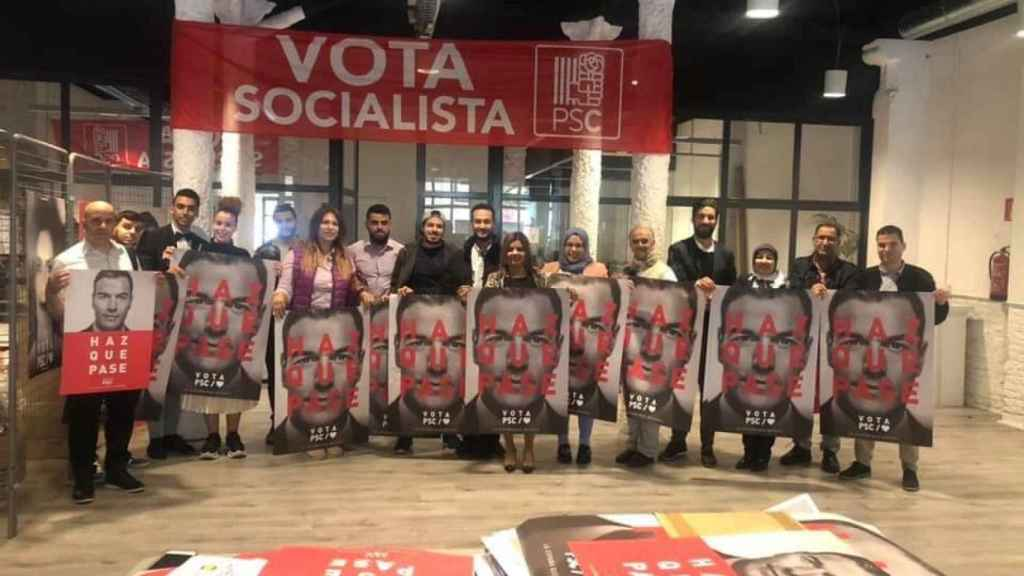 El Gourgi, con líderes socialistas en la campaña electoral de 2019 con carteles de Pedro Sánchez.