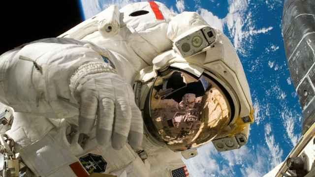 Un astronauta, durante una misión. FOTO: Pixabay.