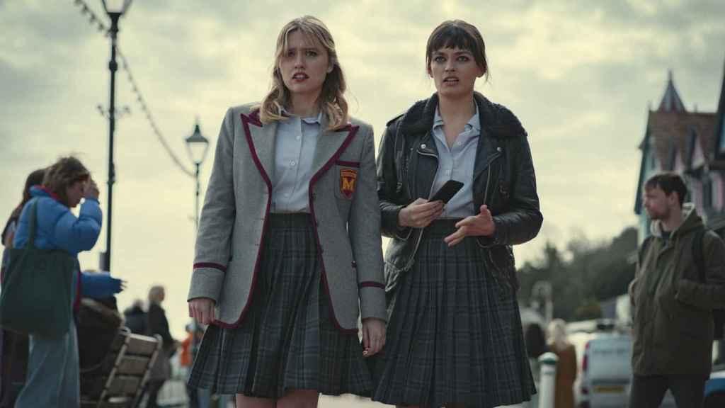 Aimee y Maeve en la tercera temporada de Sex Education'.