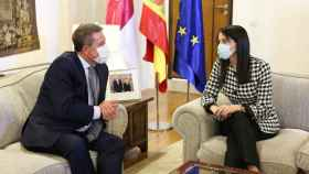 El presidente de Castilla-La Mancha, Emiliano García-Page, este miércoles en Toledo con Inés Arrimadas, líder nacional de Ciudadanos. Foto: Óscar Huertas