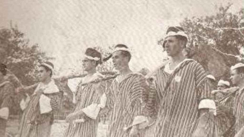 Foto antigua de la celebración de Moros y Cristianos.