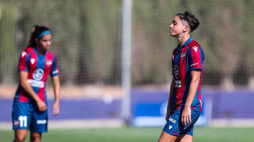 Carol Ferez, durante un partido del Levante