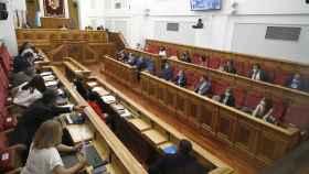 Agenda: pleno en las Cortes, Consejo Consultivo, Tolón en la FEMP...