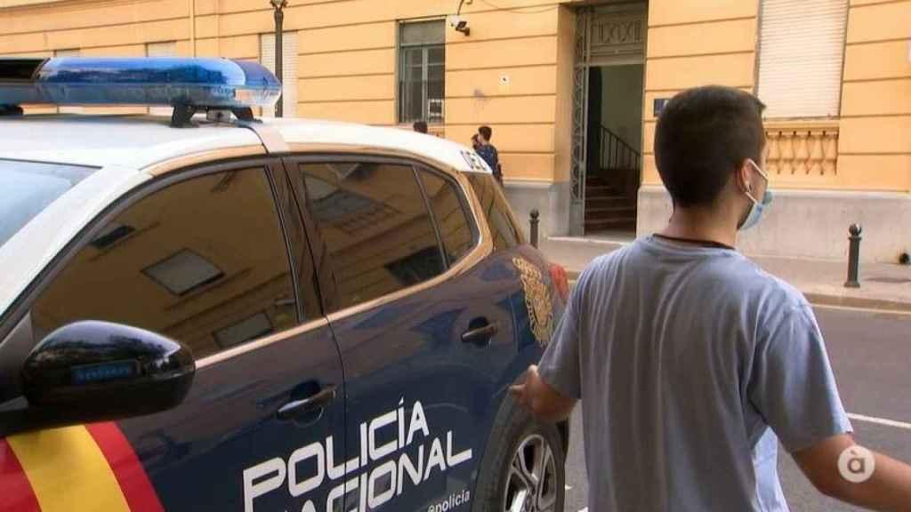 Axel, entrevistado por la radiotelevisión pública valenciana. À Punt