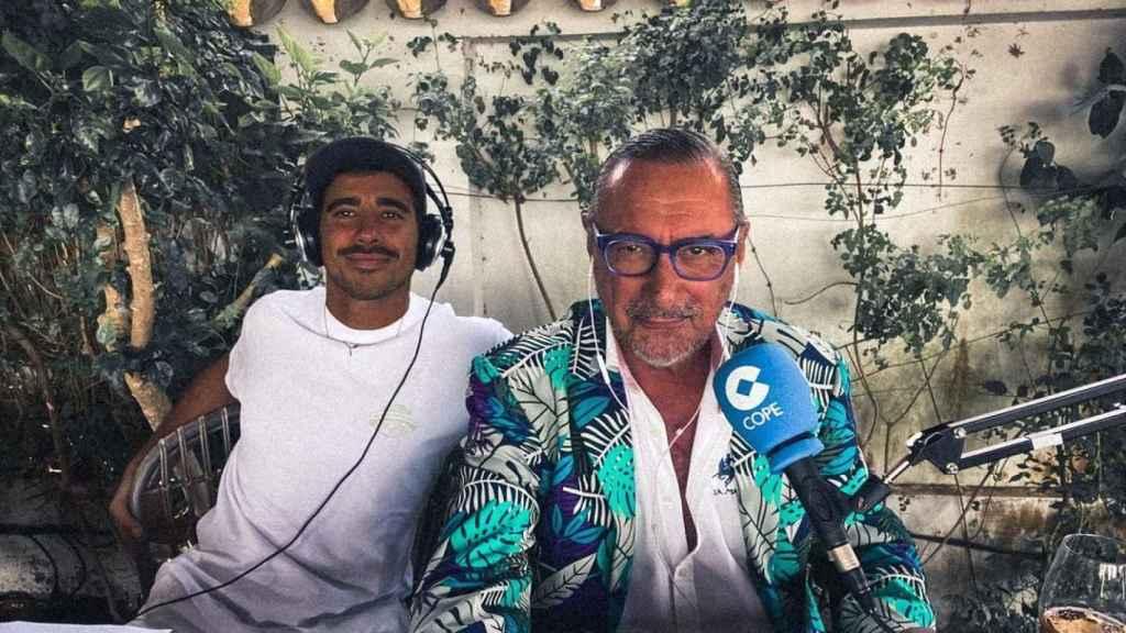 Carlos Herrera, con su hijo Alberto, en una publicación del perfil de Instagram de este.