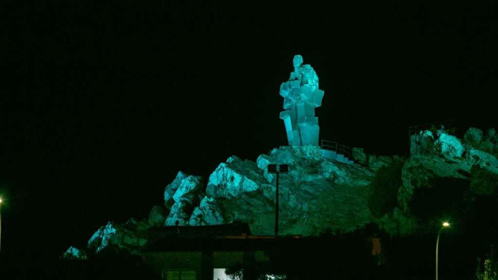 El Monumento al Minero de Puertollano (Ciudad Real) cuenta desde ahora con iluminación artística. Fotos: JCCM.
