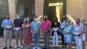 Cientos de personas se concentran contra la agresión homófoba en la localidad toledana de Velada