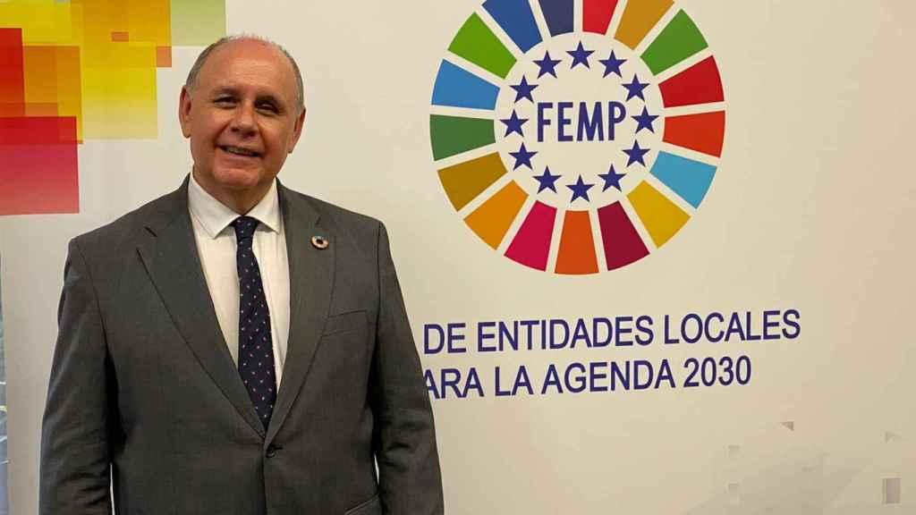 El secretario general  de la FEMP, Carlos Daniel Casares, reivindica el municipalismo para no dejar a nadie atrás.