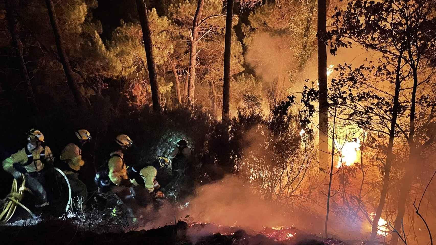 Así se ve el incendio de Jubrique, Genalguacil y Estepona