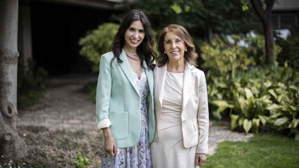 Leticia y Felicidad Carrera.