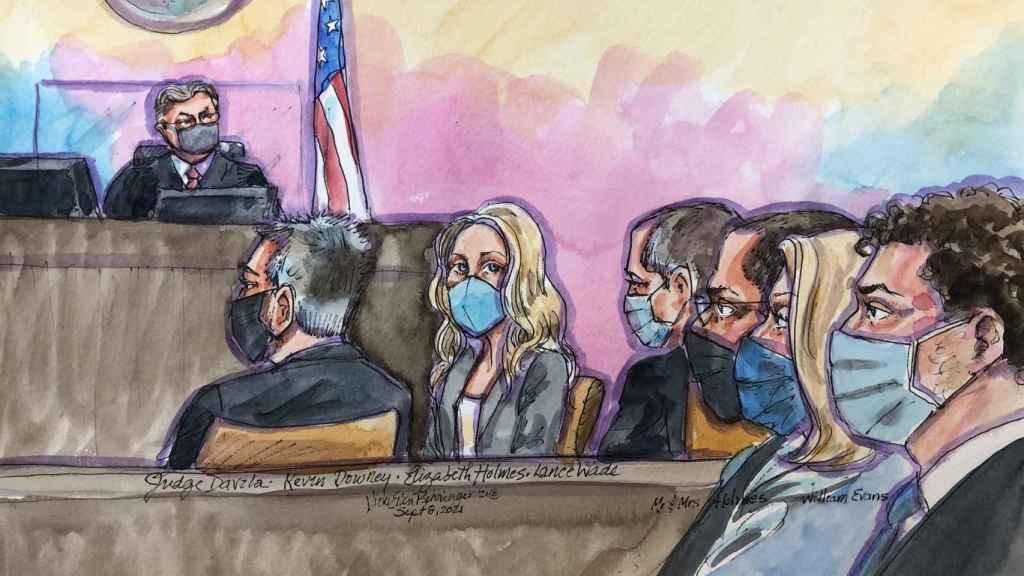 Una ilustración de la primera sesión del juicio de Elizabeth Holmes.