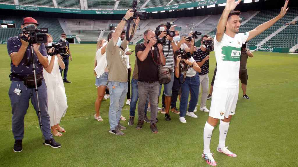 El entrenador Fran Escribà valora la calidad de los nuevos fichajes, como Pastore, presentado esta semana.