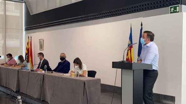 El portavoz del PP, Pablo Ruz, en la presentación de la propuesta rechazada por el equipo de Gobierno.
