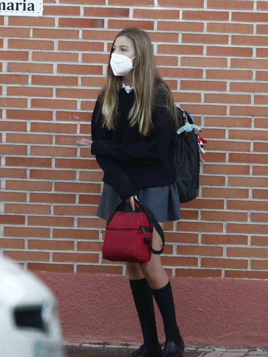 Por primera vez, la infanta Sofía ha llegado al colegio sin la compañía de su hermana, Leonor.