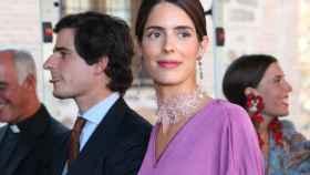 Sofía Palazuelo, junto a Fernando Fitz-James Stuart y Solís, la gran protagonista de la boda de su hermano y Micaella Rubini. Foto: GTres