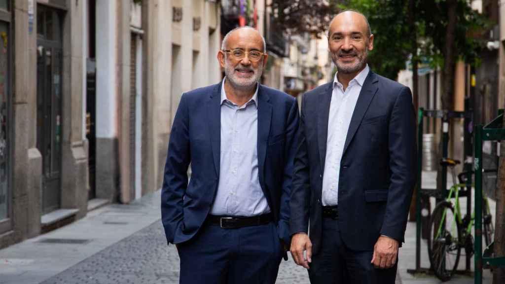 Andrea Mangoni, consejero delegado de doValue, y Francesc Noguera, consejero delegado de Altamira, en entrevista con Invertia-EL ESPAÑOL.
