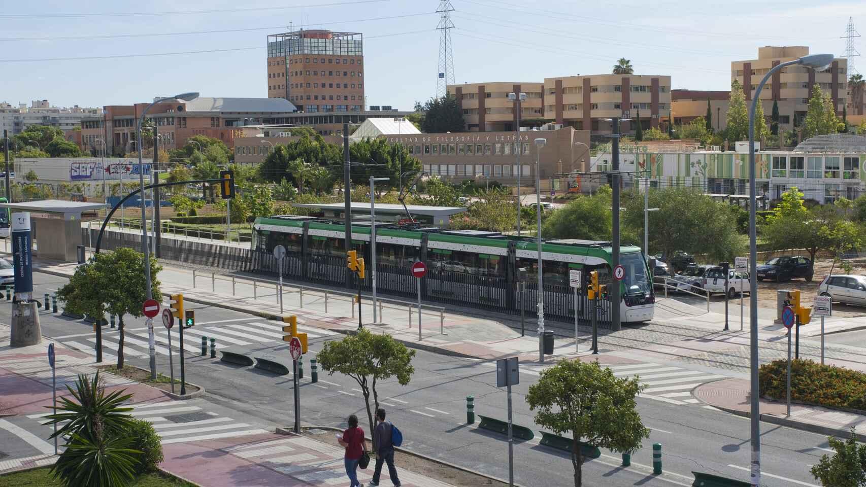 Uno de los trenes del Metro de Málaga.
