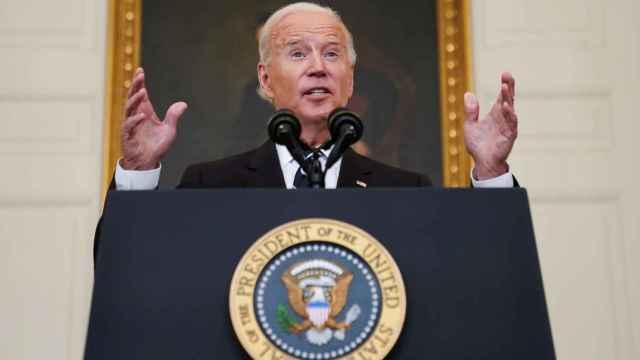 Biden obligará a 100 millones de trabajadores a vacunarse o a un test negativo cada semana