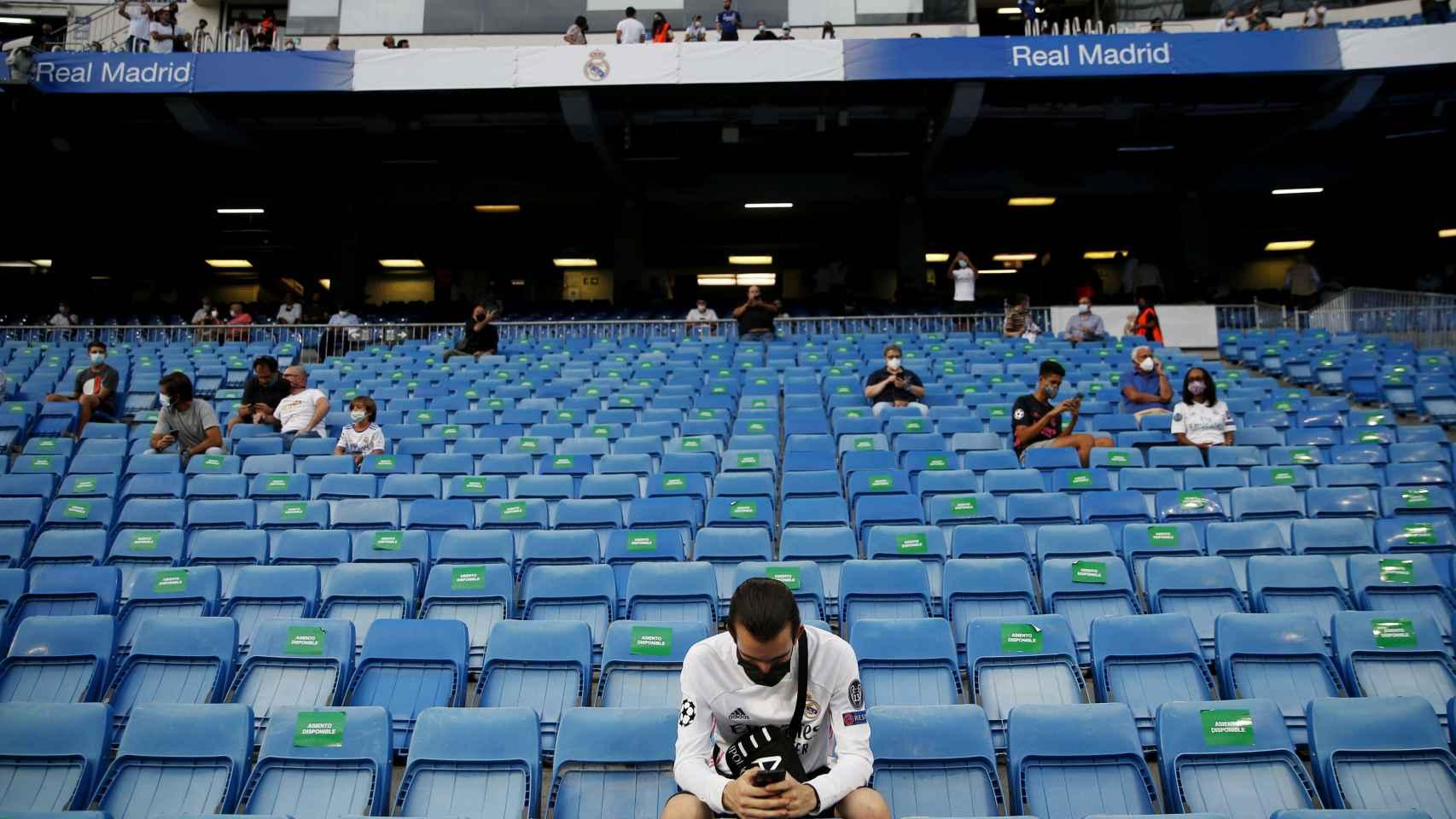 El público en el Santiago Bernabéu para el Real Madrid - Celta